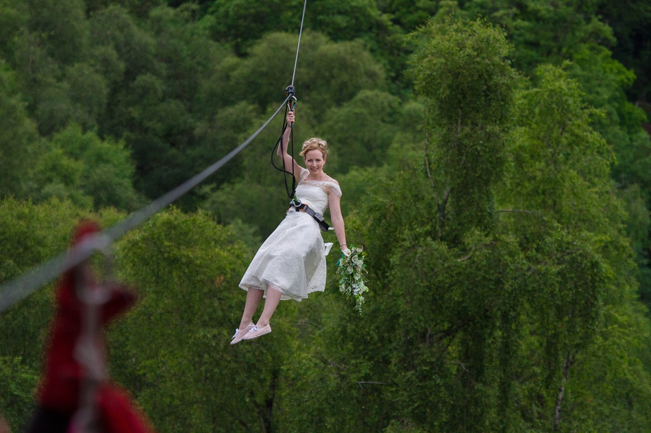 First scottish treetop wedding at go ape aberfoyle for Where to go for a honeymoon