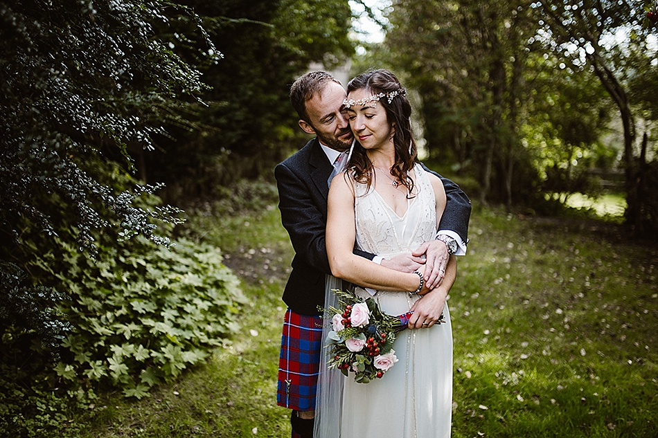 rustic-medieval-scottish-wedding-at-plane-castle-picturesque-by-mrmrs-m-0001