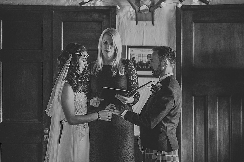 rustic-medieval-scottish-wedding-at-plane-castle-picturesque-by-mrmrs-m-0017